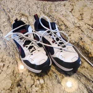 Nike Air Monarch Cross Trainer Size 9